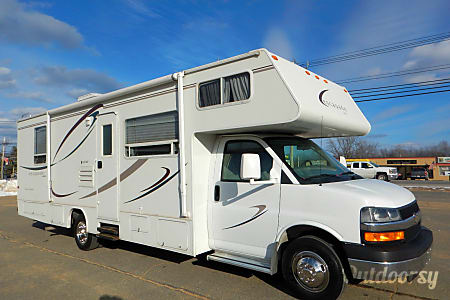 0CHEVY 28FT CLASS C RV DRIVES LIKE A CAR SLEEPS 8 NICK NAME (MATTHEW)  Las Vegas, NV