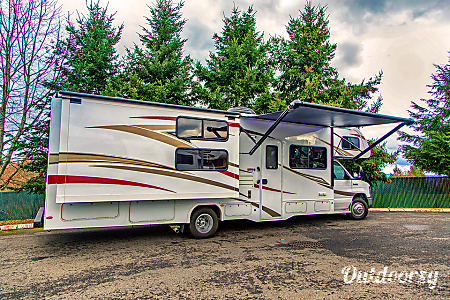 02018 Forest River Sunseeker 32'  Sandy, OR