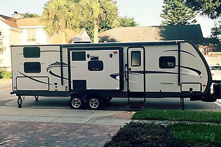 02016 Coachmen Apex (Family Fun)  New Smyrna Beach, FL