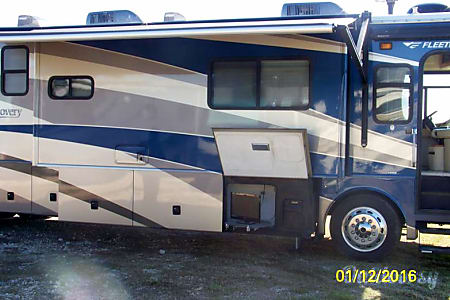 Fleetwood Discovery 39S  Sealy, TX