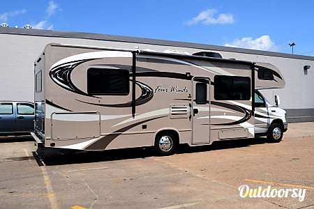 02015 Thor Motor Coach Chateau (29')  Houston, TX