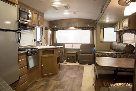 RV 37: 2017 Keystone Springdale 271RL  Herndon, VA