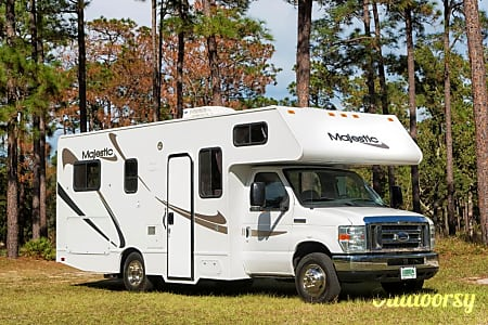 "2012 Thor Motor Coach ""Majestic"" - CLEAN Motorhome Sleeps up to 6! Easy Driving!  Thonotosassa, FL"