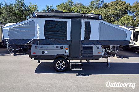 011' Forest River Rockwood Popup Camper  Pflugerville, TX