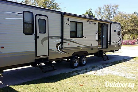 02016 38ft keystone hideout  DeFuniak Springs, FL
