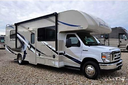 2017 Thor Motor Coach Four Winds (28Z with Ford Chassis)  Big Sky, MT