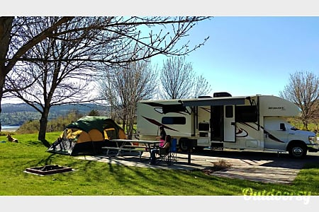 2016 Jayco Redhawk 32ft Class C  Liberty Lake, Washington