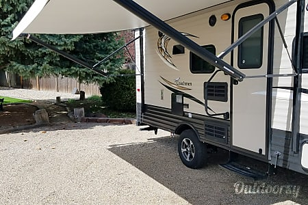 2017 Clipper Ultra-Lite 17BHS (Bunkhouse & Slide Out) Travel Trailer  Boise, Idaho