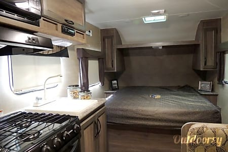 2017 Pacific Coachworks Econ E16RB-52  Meridian, ID