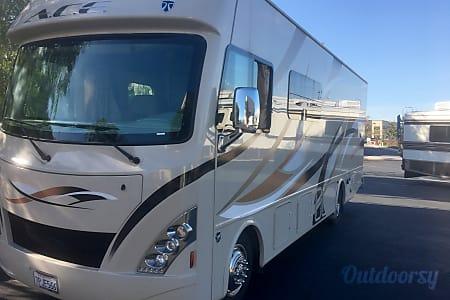 02016 Thor Motor Coach A.C.E  Dana Point, CA