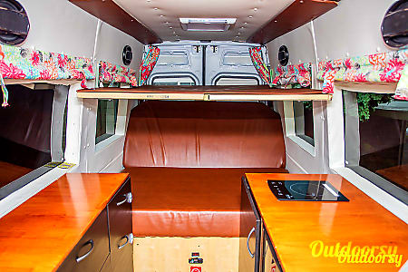 Seattle Mercedes Benz Sprinter Luxury Limo/RV Seats 8 Sleeps 8  Redmond, WA