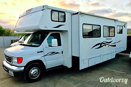 029' Winnebago EZ 2 Drive w/Private Bedroom & SuperSlide Out! Huge Living Room/Kitchen! Sleeps 8  Oceanside, CA