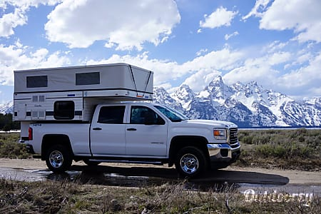 0Grandby Four Wheel Camper on GMC Sierra  Jackson, WY