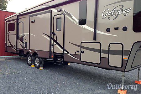 2014 heartland 3650BH  Fogelsville, PA