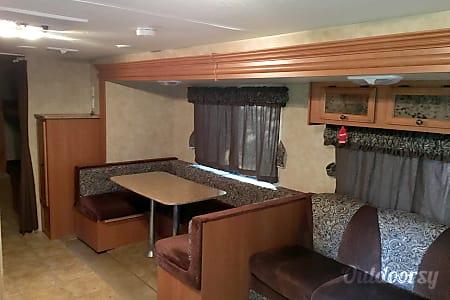 02010 sportsman kz travel trailer 314  Corsicana, TX