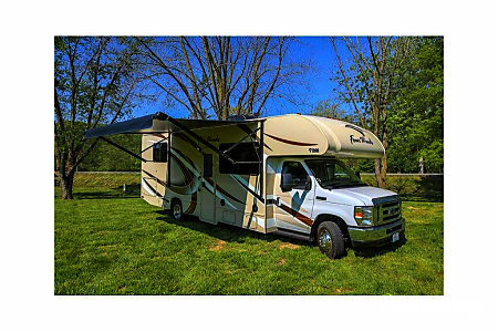 02018 Thor Motor Coach Four Winds 28Z  Prospect, CT