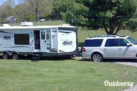02012 Coachmen Freedom Express  Metamora, MI