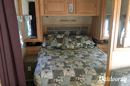 2008 Aerolite Travel Trailer  Westport, MA