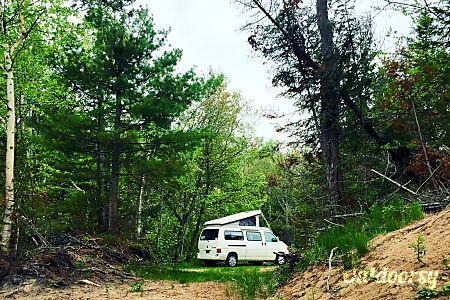 01997 Volkswagen Eurovan Winnebago Camper  Ypsilanti, MI