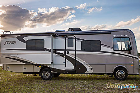 Fleetwood Storm - 32' Class A With Bunks  Riverview, FL