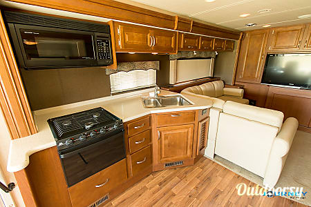 Holiday Rambler Vacationer - 36' Class A  Riverview, FL