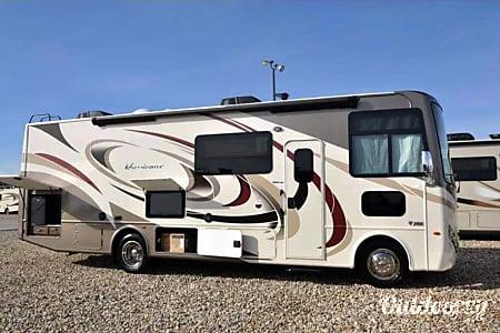 02017 Thor Motor Coach Hurricane  La Mirada, CA