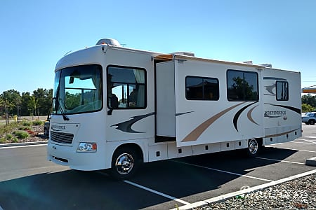 02005 GULFSTREAM RV GULF STREAM INDEPENDANCE 8330 LS  21K NEW TIRES  Vineland, NJ
