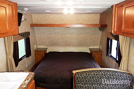 23' Gulf Stream Ameri Lite, Sleep up to 4  Addison, MI