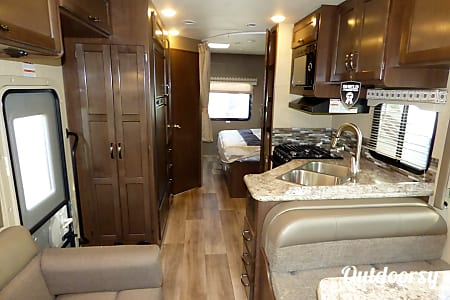 02017 Thor Motor Coach Four Winds  Spanish Fork, UT
