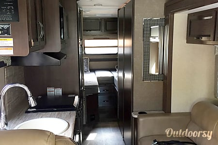 The Vegas - 2017 Thor Motor Coach  Lithia Springs, GA