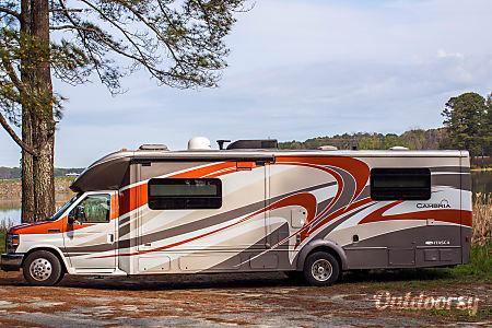 The Cambria - 2014 Winnebago Itasca  Lithia Springs, GA
