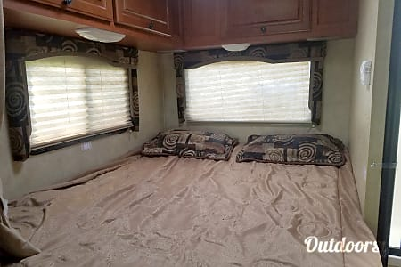 2011 Thor Motor Coach freedom  Wellington, OH