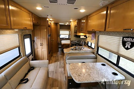 2017 Thor Motor Coach Freedom Elite  Simpsonville, SC