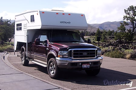 02002 Northland Koala 850 on F350 King Ranch Diesel Crew Cab (5 Seats)  Los Angeles, CA