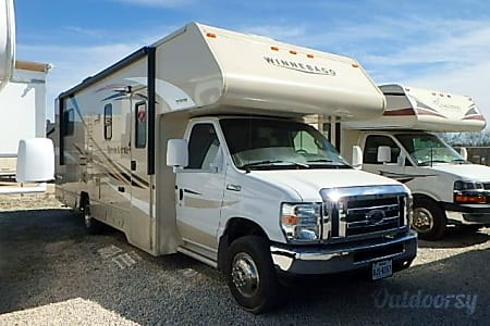 0Affordable Family Vacation *NEW!* 2016 Winnebago Winnie Minnie 27Q  San Diego, CA