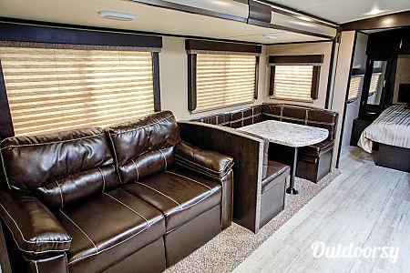2017 Grand Design Imagine 2800 BH  Pflugerville, TX