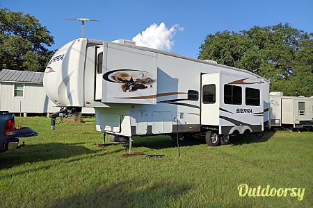 030' Gooseneck Forest River Sierra  Pflugerville, TX