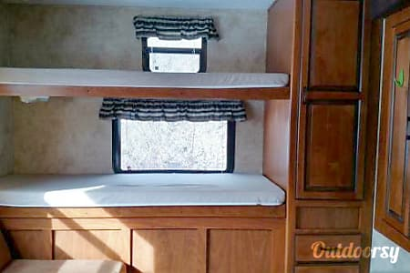 2012 Keystone Laredo *FAMILY GLAMPING* *Weight Distribution Hitch Included*  Bonners Ferry, ID