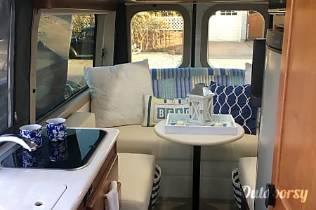 2017 Sprinter 19.5 Foot! Park Anywhere! Gorgeous! Loaded!  Del Mar, CA