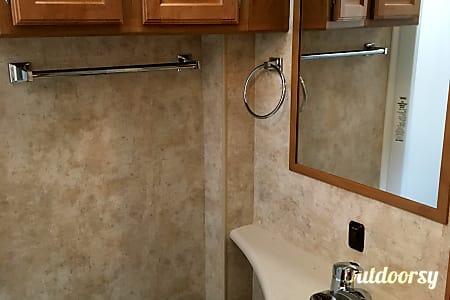 2011 Winnebago Access Premier QP!  West Linn, OR