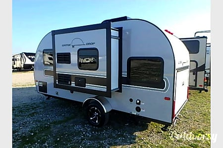 2017 Winnebago Minnie Drop  Plano, TX