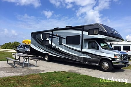 0Forest River Sunseeker W/ Bunk beds, bluetooth, GPS and auto leveling jacks  Fairfax, VA
