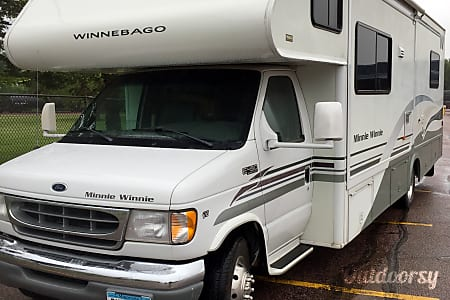 02001 Winnebago Minnie Winnie sleeps 7  Sioux Falls, SD
