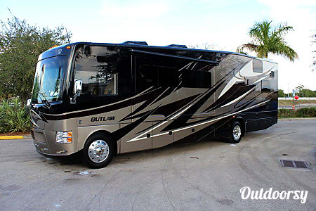 0Thor Motor Coach Outlaw 37MD (Traveler)  Kennesaw, GA
