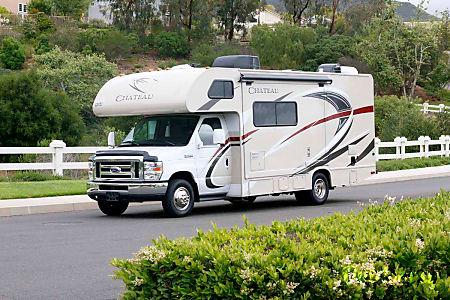 02017 Thor Motor Coach Chateau 24C  Fullerton, CA