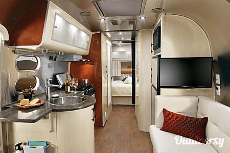 02015 Airstream Serenity International 27FB (limited ed.)  Englewood, CO