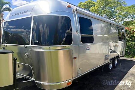 2015 Airstream Serenity International 27FB (limited ed.)  Englewood, Colorado