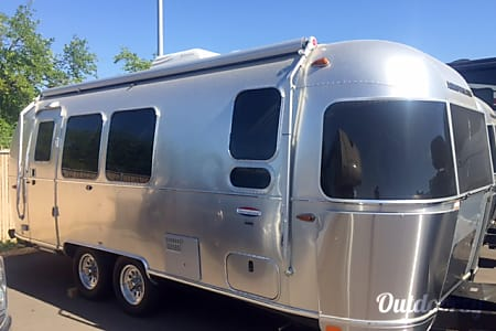 02017 Airstream International Serenity 23ft-codenamed CHARLENE  Petaluma, CA