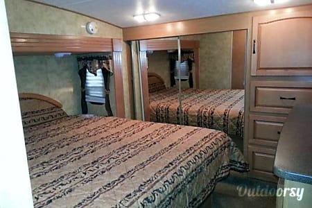 2009 Keystone Challenger *Pure Luxury*  Stanton, MI