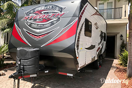 02015 Stealth, Ultimate Stay Anywhere Trailer!!  Oxnard, CA